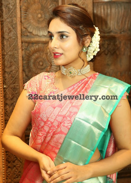 Nikitha Chaturvedi Pearls Choker