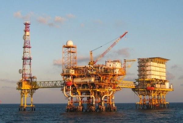 EPN anuncia nuevo yacimiento de gas y crudo en Veracruz...será explotado por extranjeros.