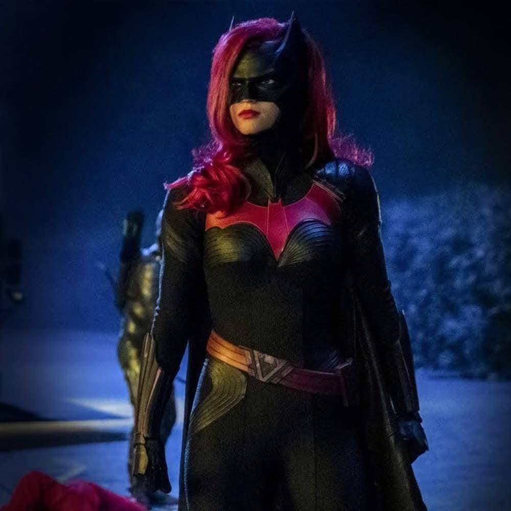 Batwoman : LGBTQ の戦うヒロインが、ダークナイトに代わって、悪の不思議のアリスの魔の手からゴッサム・シティを守る DC コミックスのTVシリーズの最新作「バットウーマン」の予告編を初公開 ! ! - CIA Movie News