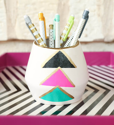 http://kailochic.blogspot.com/2015/04/tissue-paper-pencil-holder.html