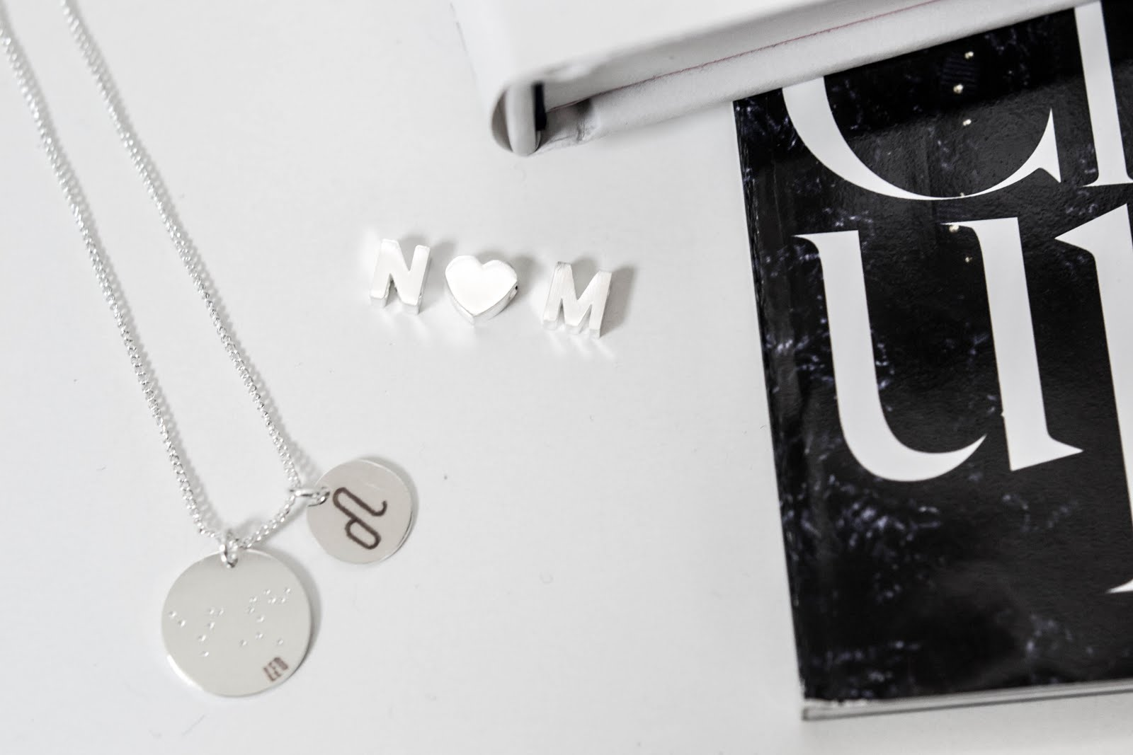 Luz accessoires, minimal jewelry, juwelen, sterrenbeeld, zodiac, letters, sacha shoes