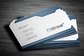 Mavi ve beyaz renklerde modern çizgilere sahip bir kartvizit