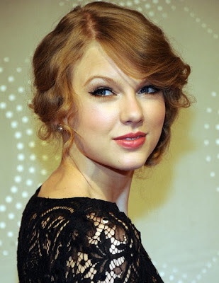 Taylor swift makeup style