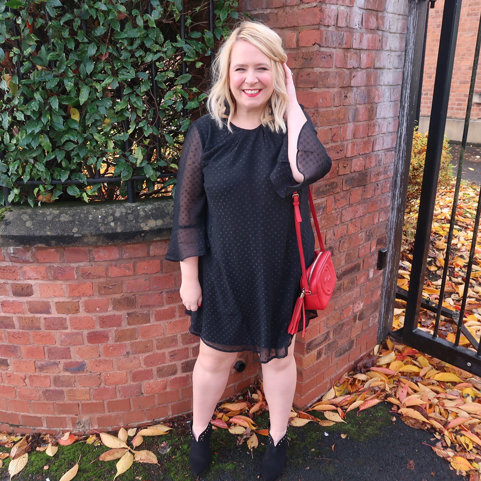 7e5de3bb154 If you have followed me on my instagram for a while you will know that I  generally can be found in dresses or midi skirts. I don t feel comfortable  in ...