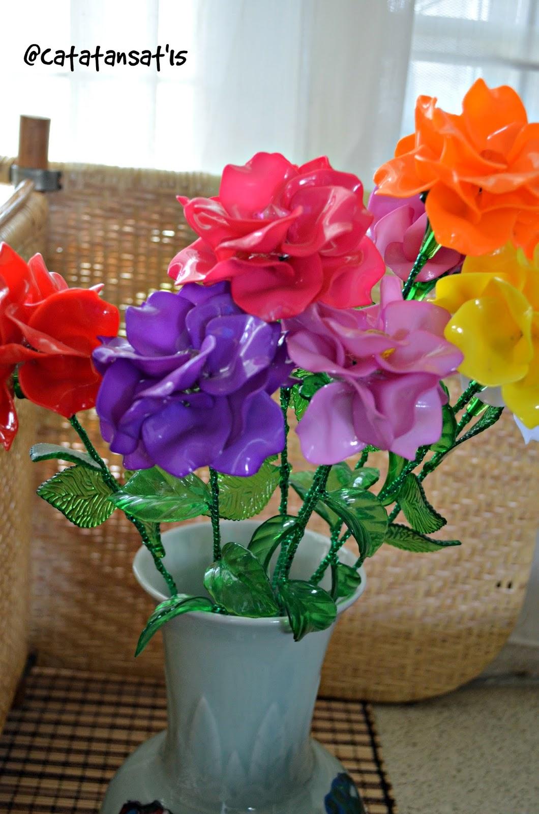 Merangkai Bunga Akrilik | Catatan Sat