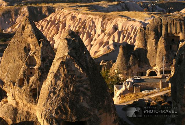 Bajkowe kominy - najwieksza atrakcja turystyczna Kapadocji w Turcji