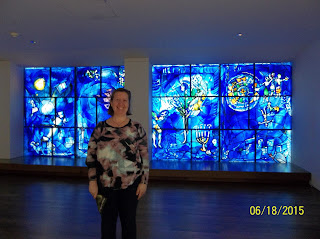 Me in front of the blue windows at the Art Institut in Chicago