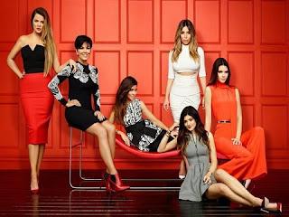 aytes-einai-oi-Kardashians-23-6-2017