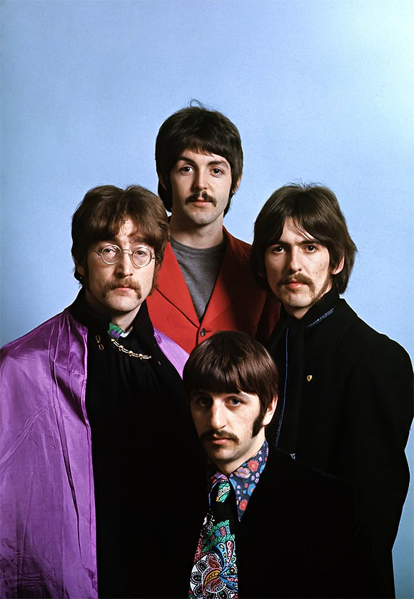 « Sgt. Pepper des Beatles » : du noir et blanc à la couleur