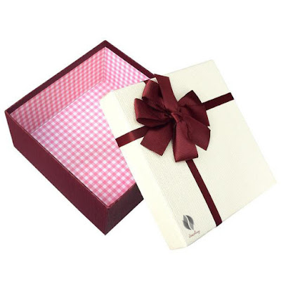 Shop Wholesale Nesting Gift Boxes A Set of 3 White Color with A Ribbon Bowtie at NileCorp.com