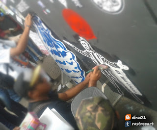 aplicando propa street art