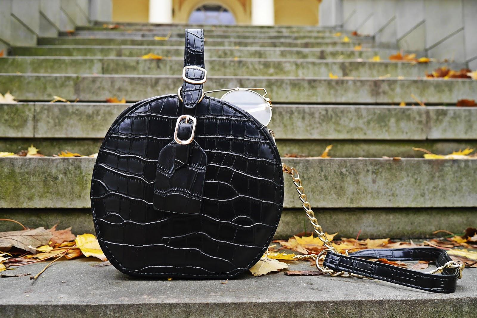 Czarna torebka renee karyn blog modowy