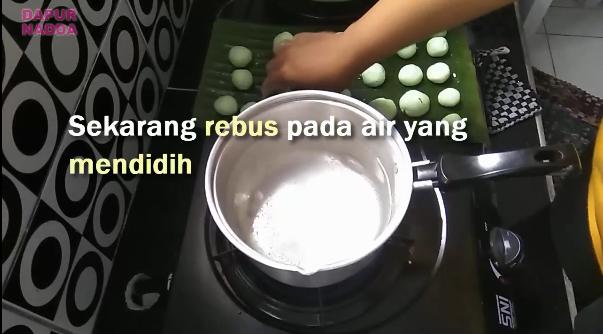 Tutorial Membuat Klepon Pandan - Dapur Nadda 7