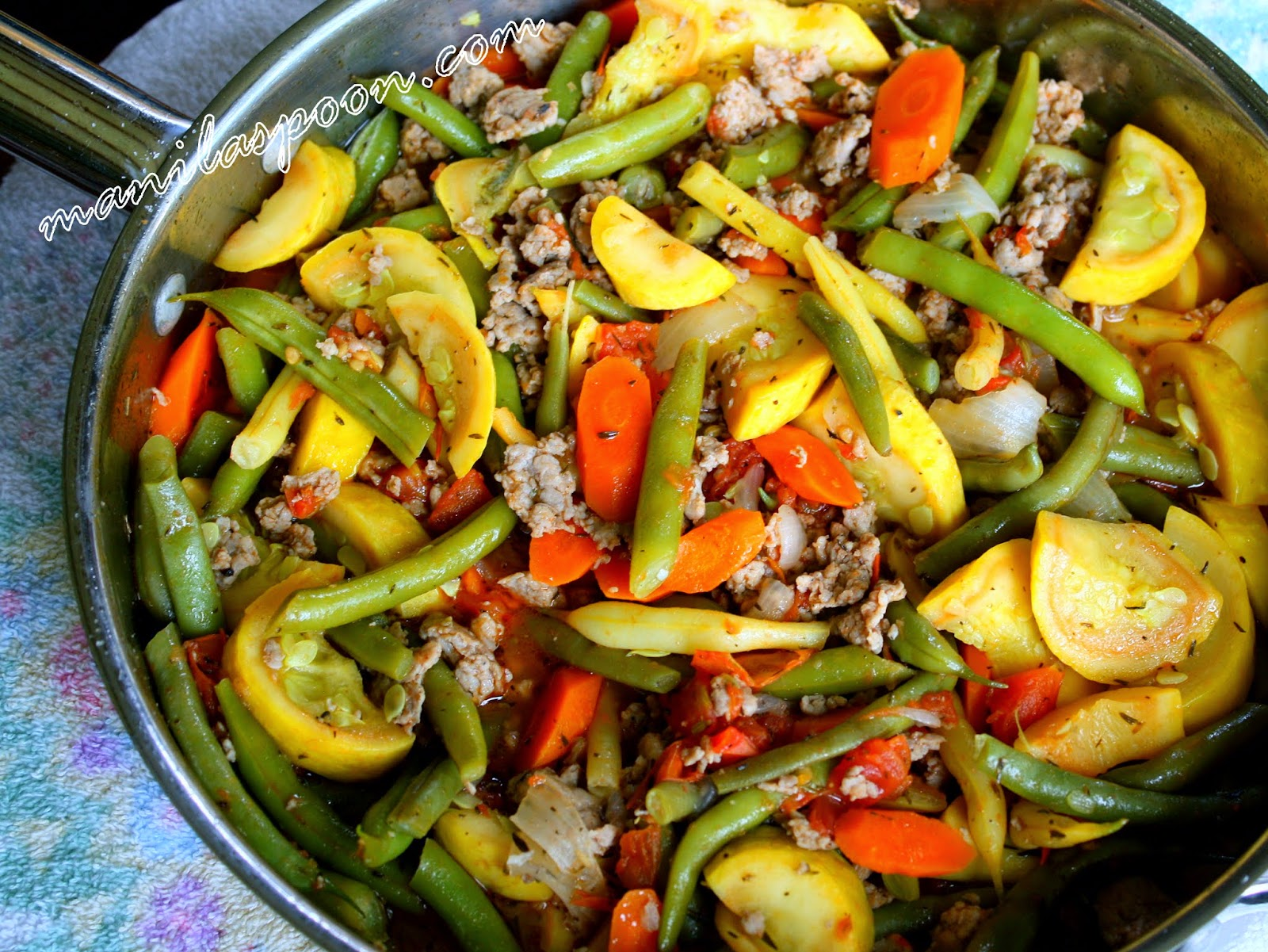 Sautéed Green Beans and Yellow Squash with Italian Sausages