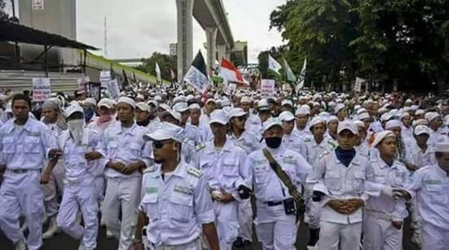 ALLAHU AKBAR! 300 Pesantren Se Jawa Barat dan Puluhan Ribu Massa Siap Meriahkan TABLIGH AKBAR di Garut