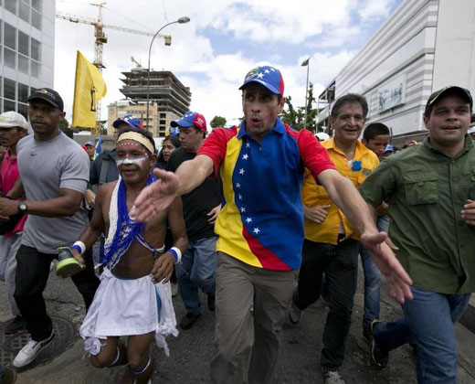 Capriles convocará a nueva movilización si el CNE no da fechas para revocatorio