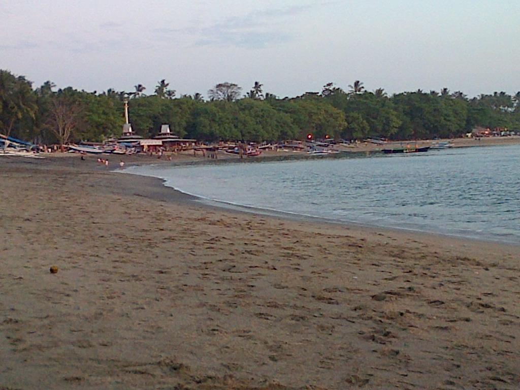 pantai senggigi lombok nusa tenggara barat nurul sufitri blogger lima destinasi solo traveling terjangkau di indonesia