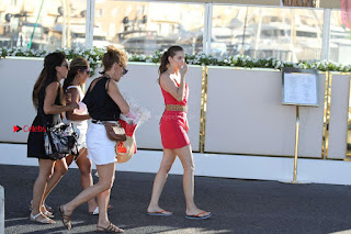Barbara-Palvin-on-a-Pictureshoot-in-St-Tropez-adds--03+%7E+SexyCelebs.in+Exclusive+Celebrities+Picture+Galleries.jpg