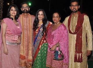 Isha Koppikar Profile Biography Family Photos and Wiki and Biodata, Body Measurements, Age, Husband, Affairs and More...