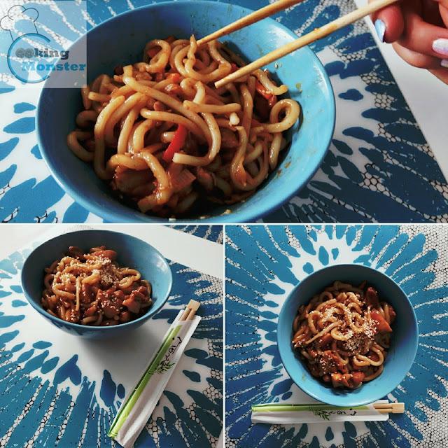 Kurczak teriyaki z makaronem udon i warzywami