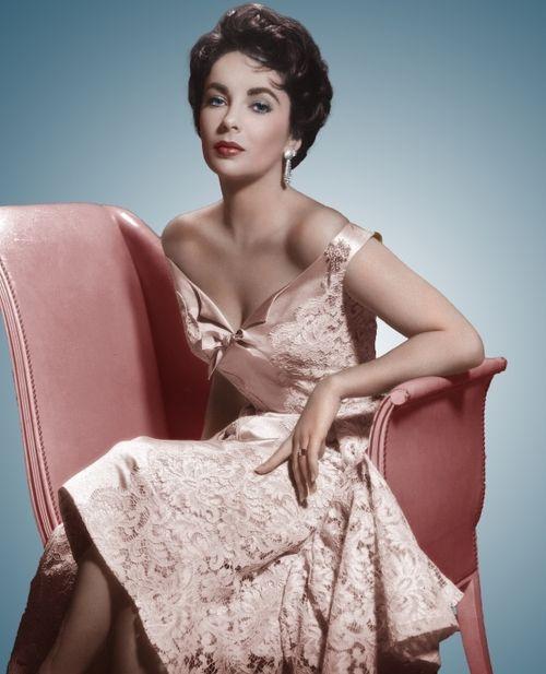 1950s Fashion Elizabeth Taylor Does It With Elegance