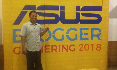 BANNER : Iniah banner ASUS Blogger Gathering yang sukses digelar di Golden Tulip Pontianak tadi malam (1/11/2018). Foto Tazkia Putri