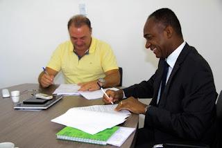 Prefeito Gilson Fantin assina contrato de financiamento com a CEF para mais de 93 mil m² de obras de Pavimentação e Recape