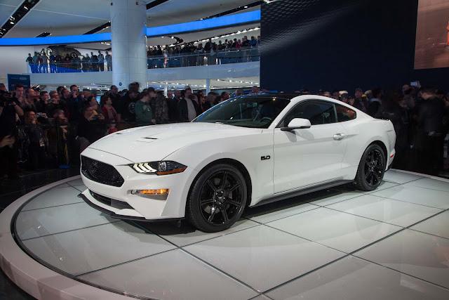 Pré-venda: Ford Mustang já está disponível no Brasil por R$ 300 mil reais