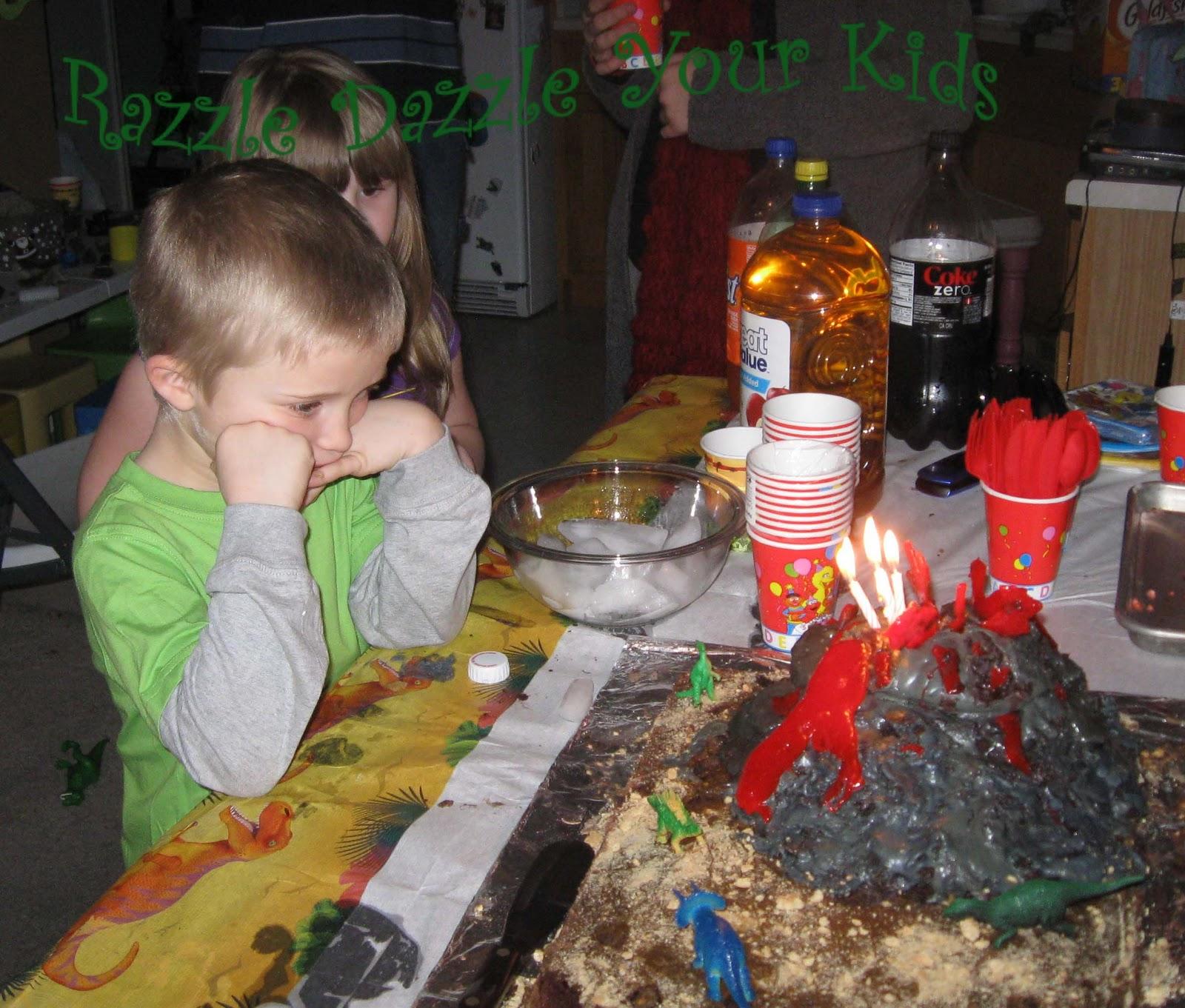 Razzle Dazzle Your Kids: Dinosaur Birthday Party (6 Years Old