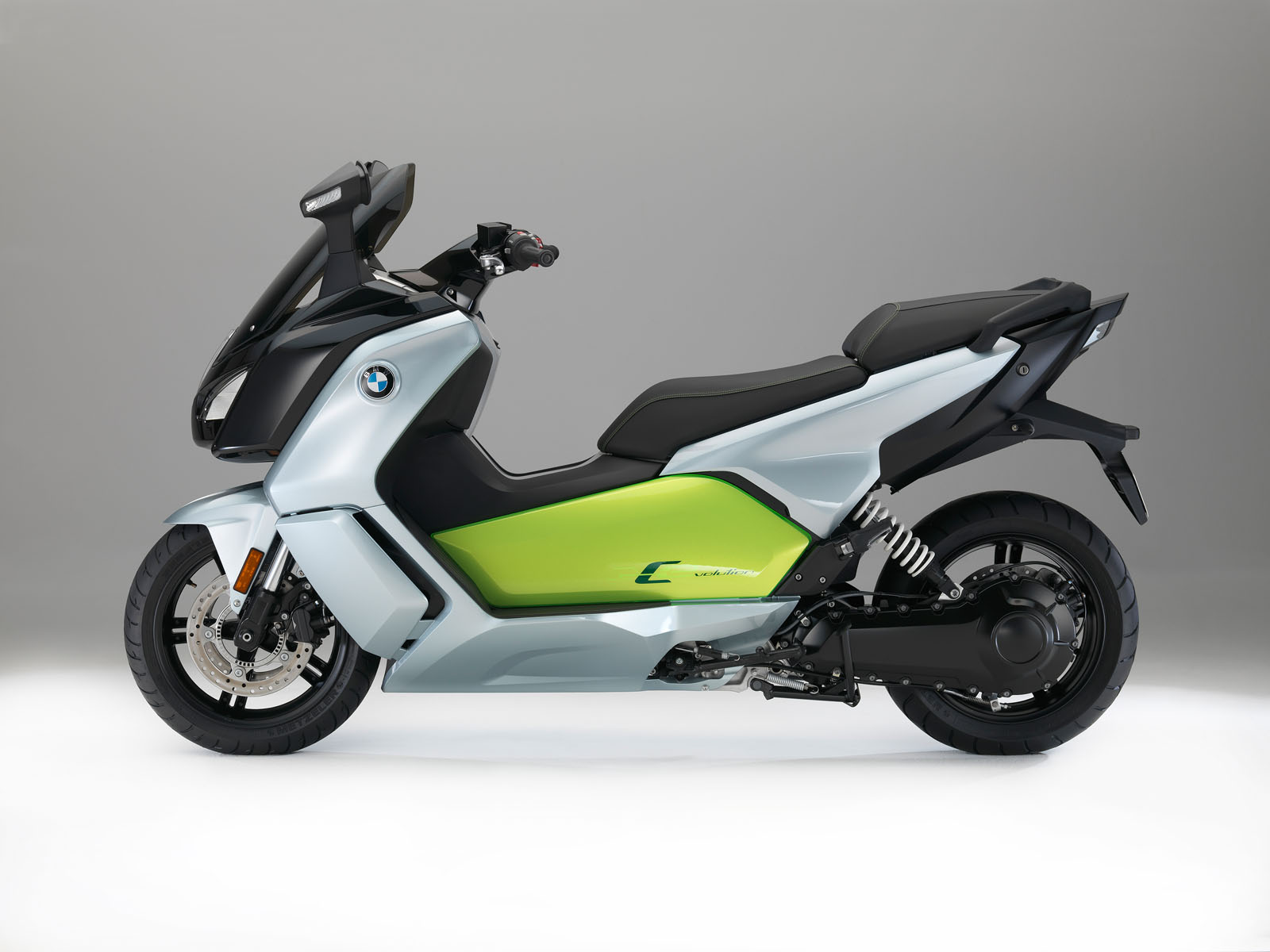 bmw to showcase revised c evolution electric scooter in paris with more juice 66 images. Black Bedroom Furniture Sets. Home Design Ideas