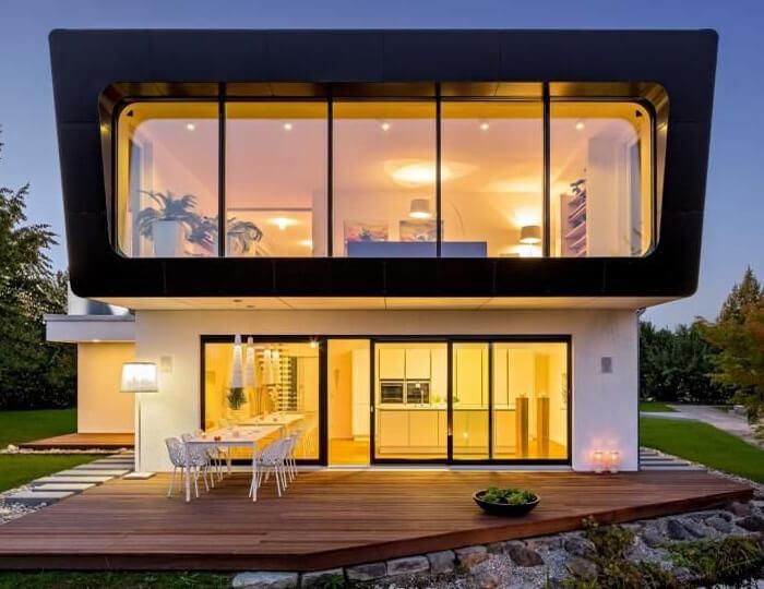 Casa prefabbricata in legno in stile moderno realizzata su due livelli