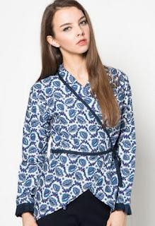 Model baju batik kerja atasan simple