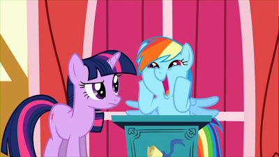Rainbow Dash does the Why Wub Woo face
