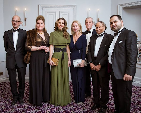 Queen Rania of Jordan style, wore green gown, Valentino gown, Valentino clutch bag, Fendi Leather shoes, Yves Saint Laurent diamond earrings