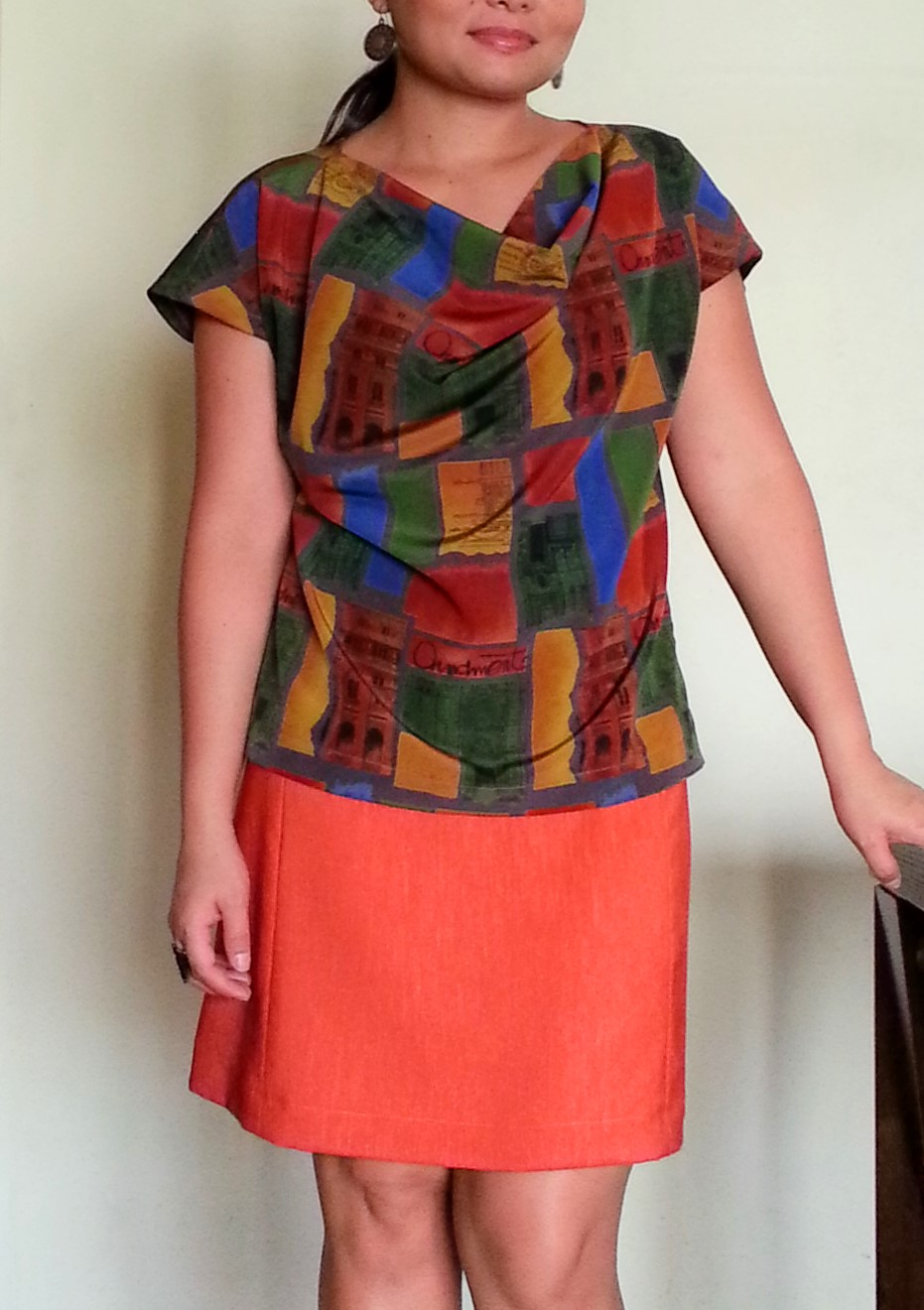 http://velvetribbonsew.blogspot.com/2013/05/burda-sew-along-light-cowl-top-012013_30.html