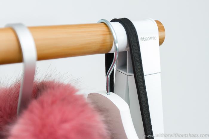 blogger influencer decoracion estilo nordico lifestyle consejos orden espacio ropa con el perchero burro de la colección Linn de Brabantia