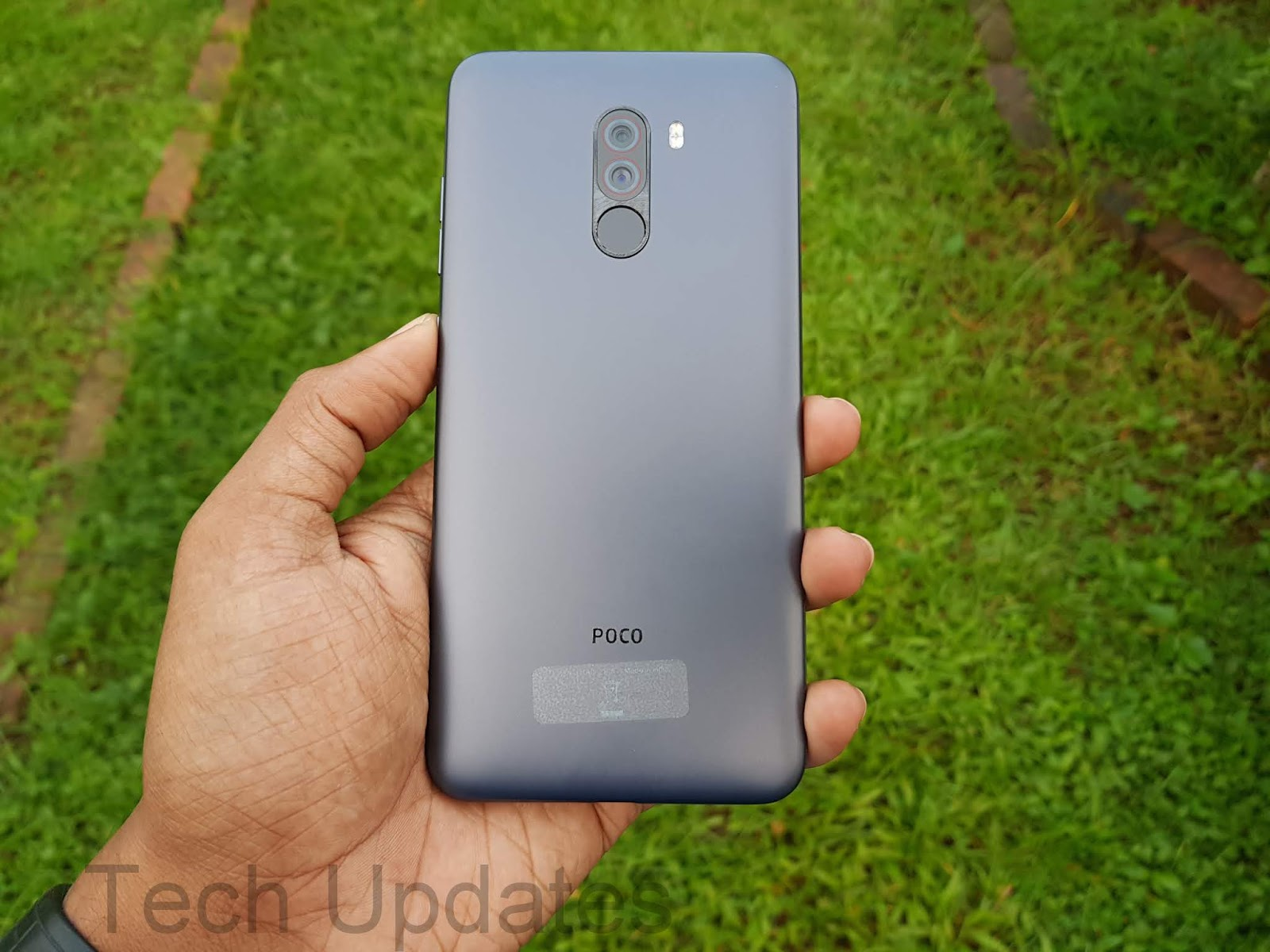Poco F1 Photo Gallery & First Look - Tech Updates