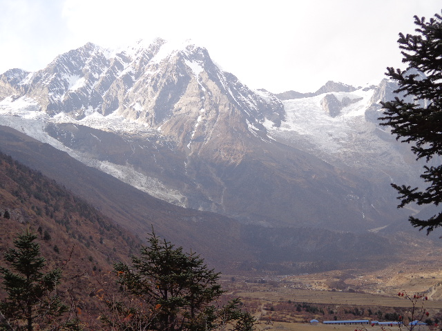 Photo gallery of the Manaslu Sama village at the Manaslu trekking Nepal