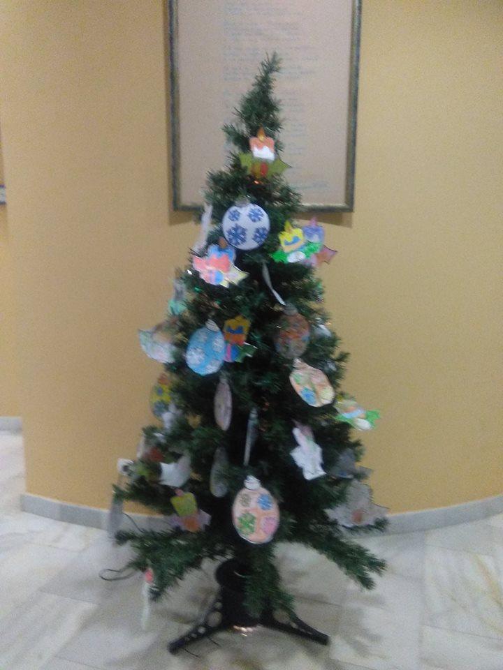 Biblioteca publica municipal la briquetera rbol de navidad - Cuento del arbol de navidad ...