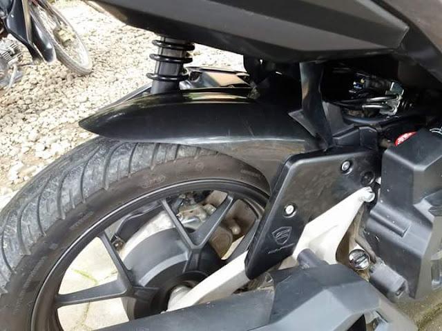 Pemasangan Hugger di Honda Vario 150 - Netterku.com