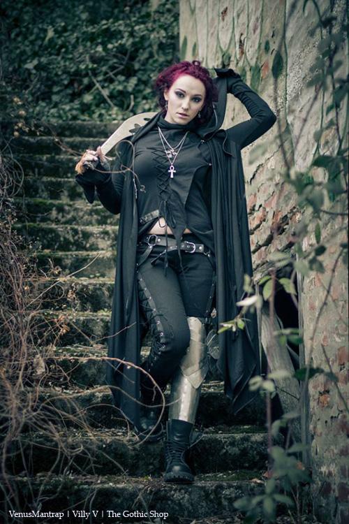 The Gothic Shop Blog: The Demon Huntress Part 2 - Venusmantrap