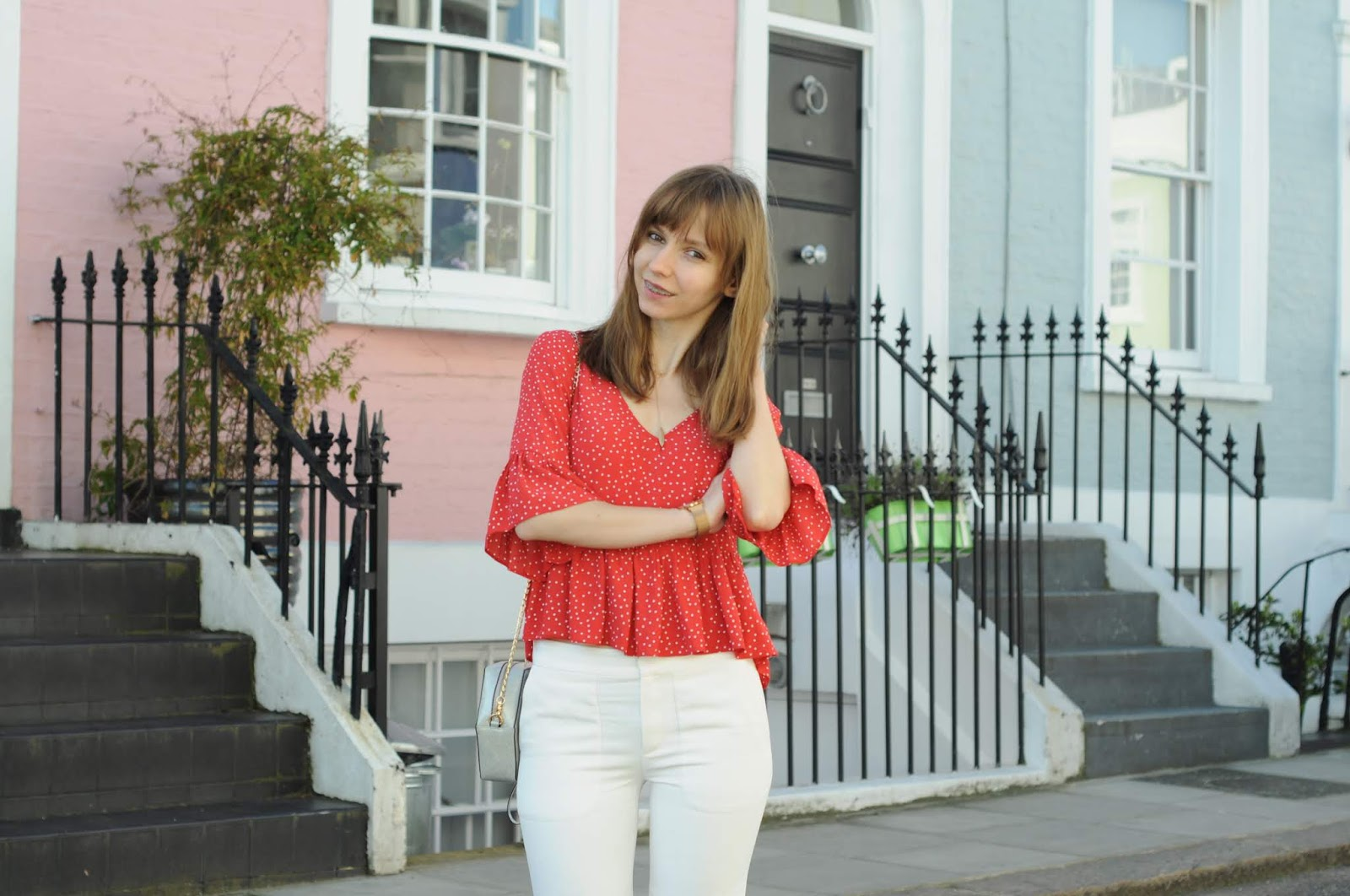 minimal look | polka dot shirt | Notting Hill