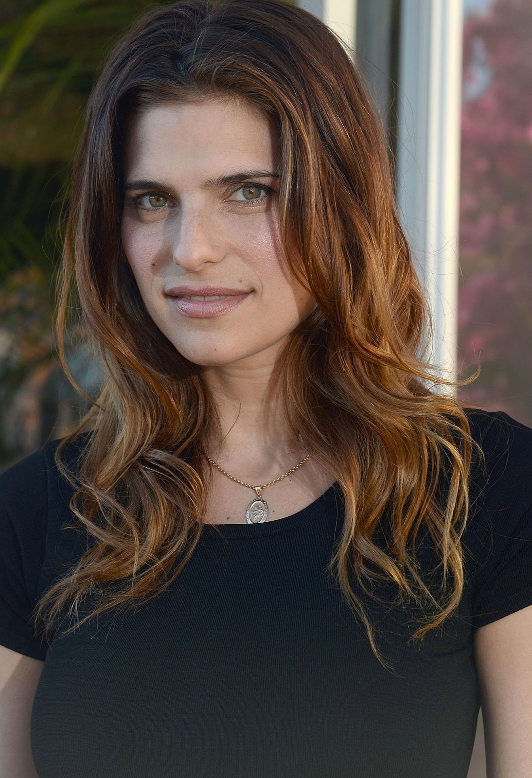 Photo and Biography: Lake Bell