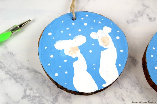 Winter Crafts - Polar Bear Finger Print Keepsake