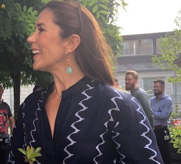 At that event, the Crown Princess wore a shirtdress by Apiece Apart