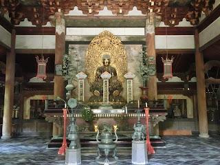 京都:大徳寺の仏殿