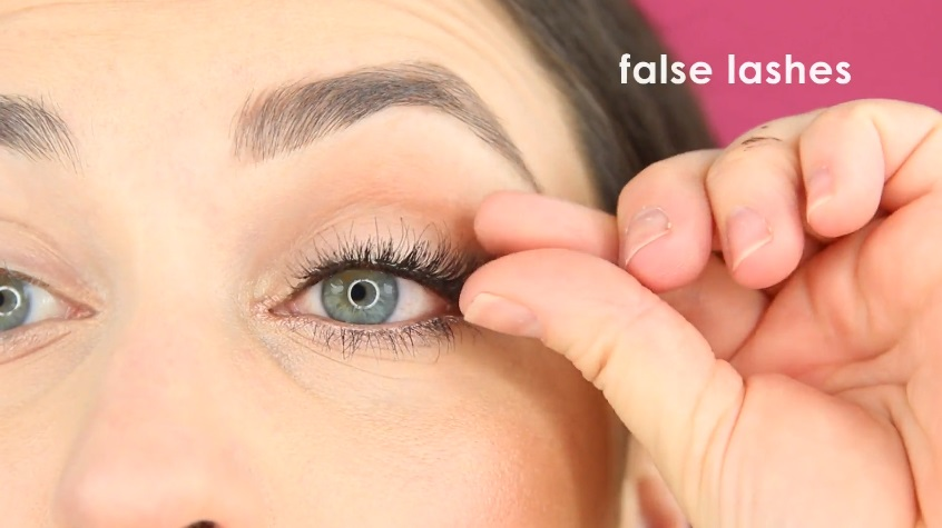 How To Make Your Eyes Look Bigger With Makeup Eye Makeup