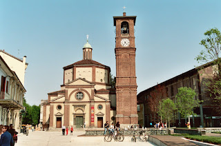 The Basilica of San Magno in Legnano, where the funeral of Gianfranco Ferré took place in 2007