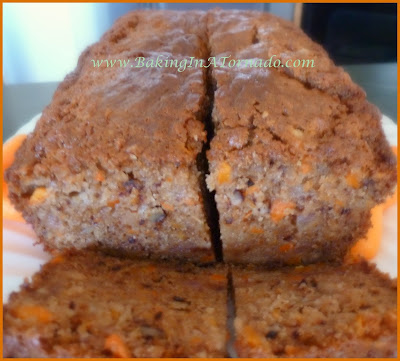 Carrot and Pear Bread | www.BakingInATorndao.com | #recipe #bread