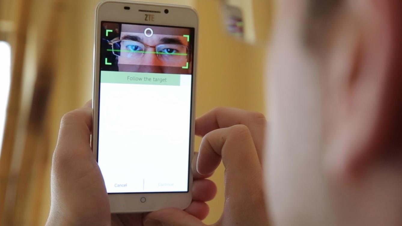 Smartphone con lector de iris ZTE